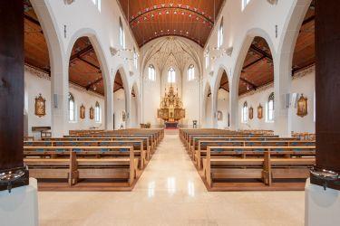 GreoSan_Katholische_Kirche_Dreifaltigkeit_Adliswil.jpg