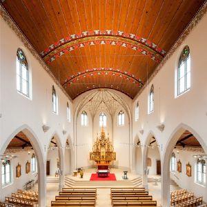 GreoSan_Katholische_Kirche_Dreifaltigkeit_Adliswil_4.jpg