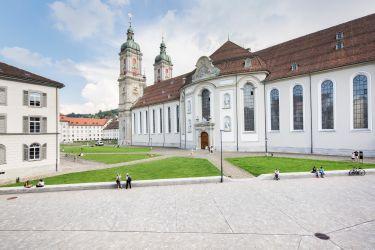 St. Gallen Klosterplatz.jpg